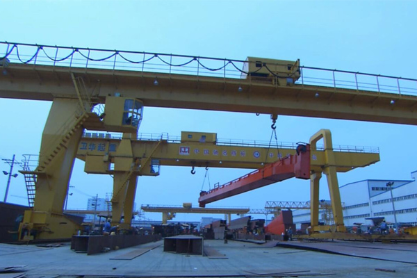 How to safe use of the double beam clean row crane